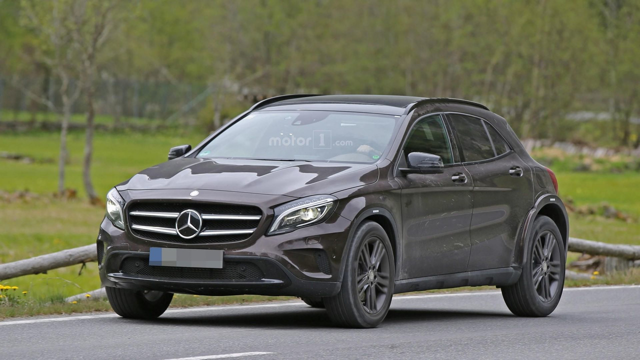 Mercedes benz glb spied testing in europe for Mercedes benz europe