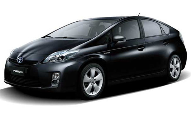 toyota prius in india features reviews specifications sagmart. Black Bedroom Furniture Sets. Home Design Ideas