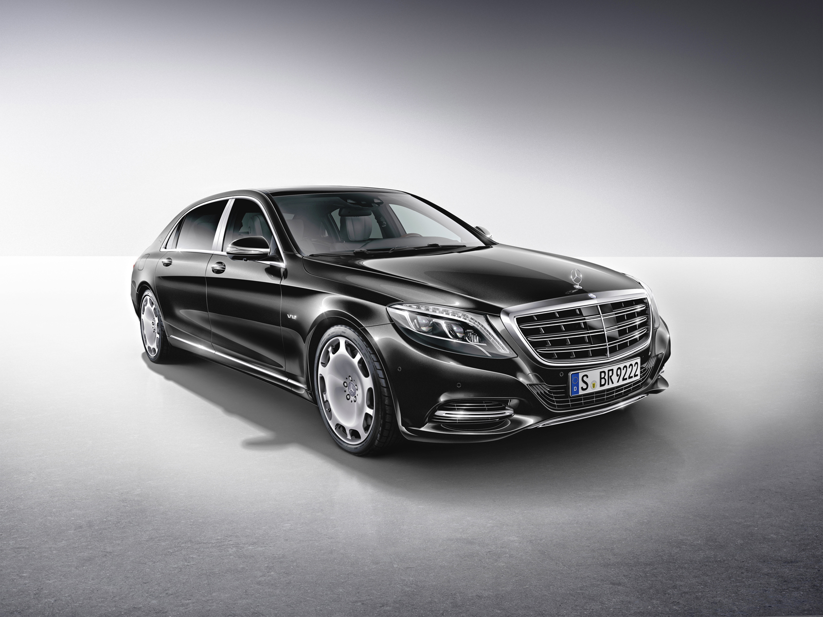 Mercedes maybach s550 4matic roll out with minor updates for Mercedes benz s550 car cover