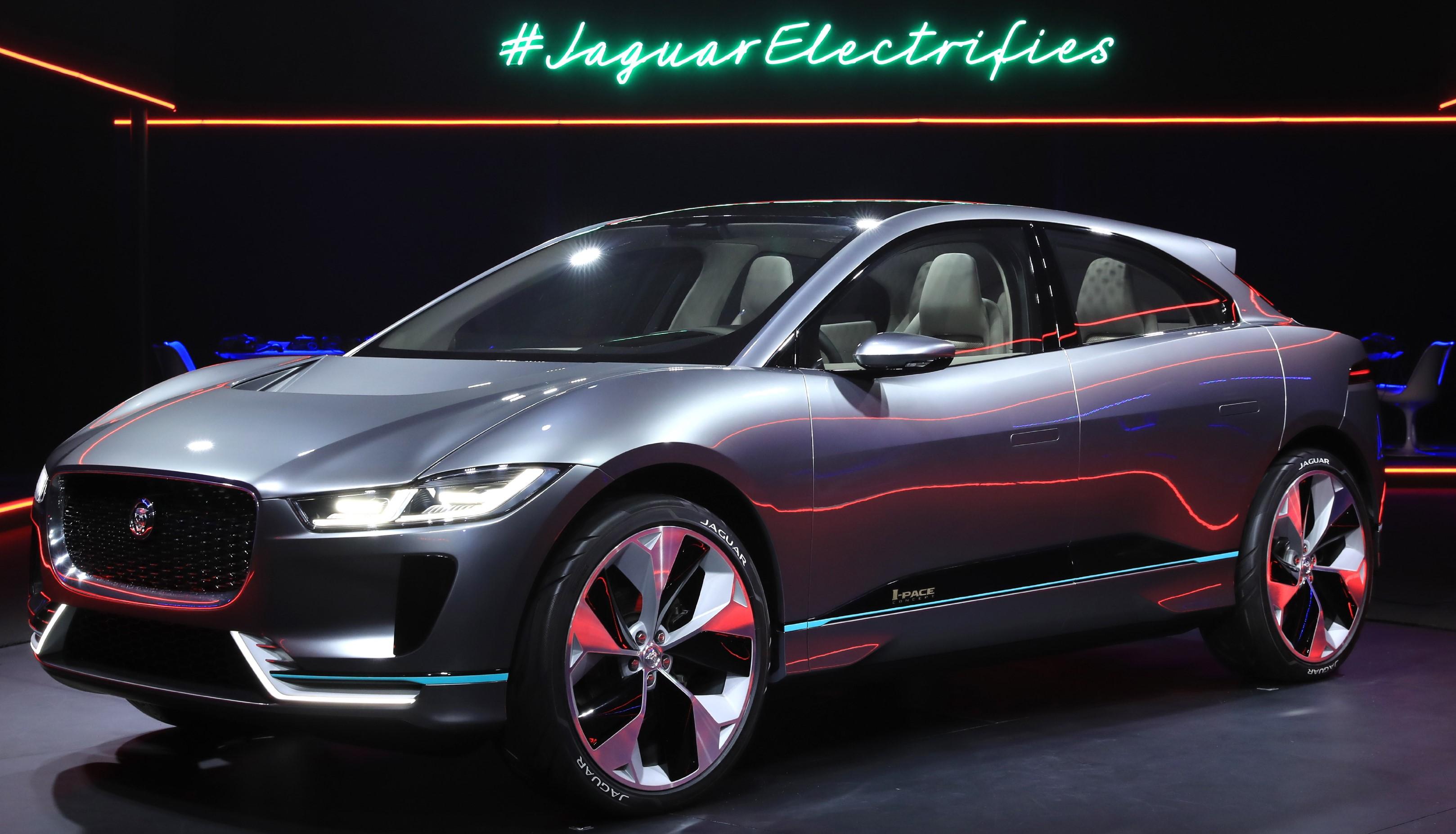 Jaguar Showcased All Electric I Pace Suv Concept At La