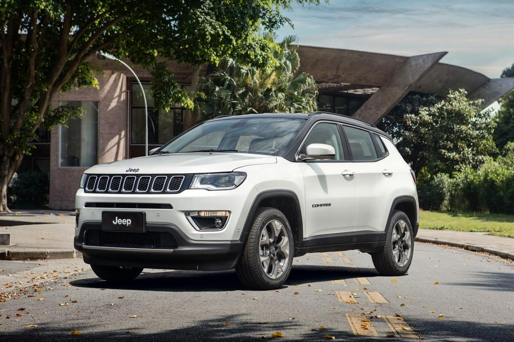 2017 jeep compass suv officially unveiled will be produced locally in india. Black Bedroom Furniture Sets. Home Design Ideas
