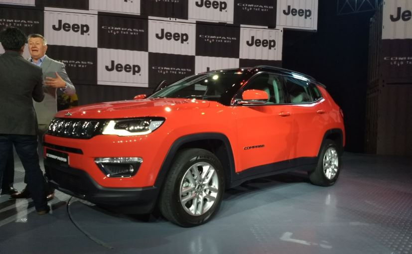 jeep compass launched in india at rs lakh. Black Bedroom Furniture Sets. Home Design Ideas