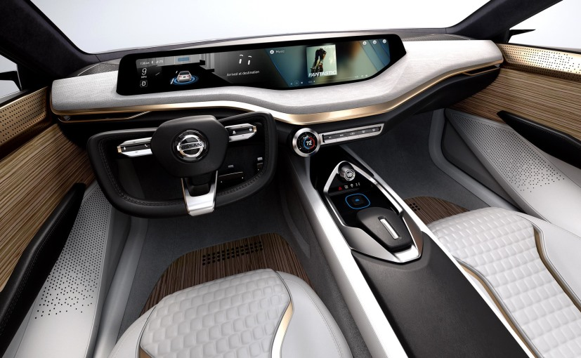 Dash of the Nissan Vmotion 2.0 Concept